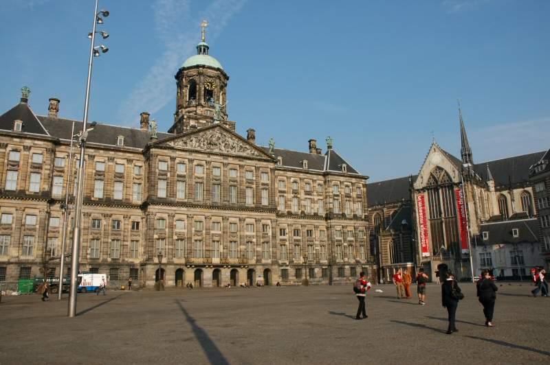 Kongepalasset i Amsterdam — Foto: Gaute Nordvik