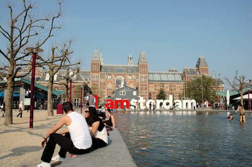 Fly og hotell Amsterdam