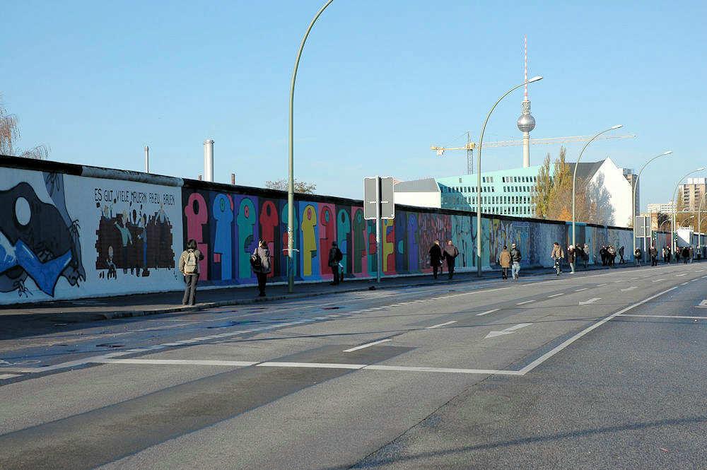 East Side Gallery i Berlin. - Foto: Gaute Nordvik