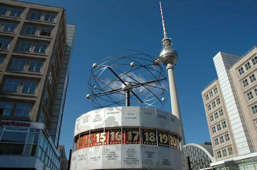 Berlin: Verdensuret med Fjernsynstårnet i bakgrunnen - Foto: Gaute Nordvik