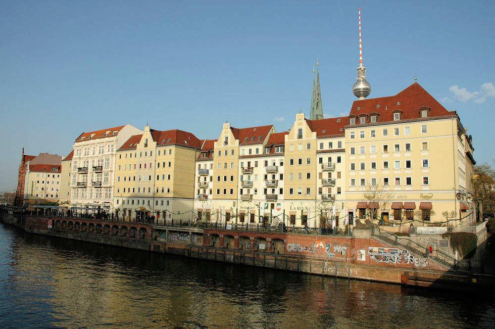 Nikolaiviertel — Berlins eldste kvartal er fra 1200-tallet. - Foto: Gaute Nordvik