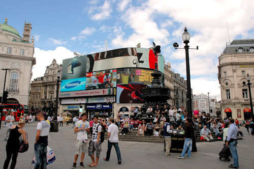 Piccadilly Circus i London — Foto: Gaute Nordvik