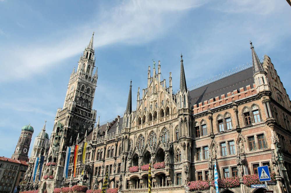 Neues Rathaus  i München - Foto: Gaute Nordvik