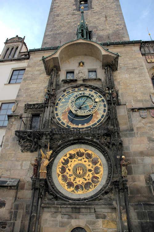 Den astronomiske klokken er et urverk som viser astronomisk informasjon - Foto: Gaute Nordvik