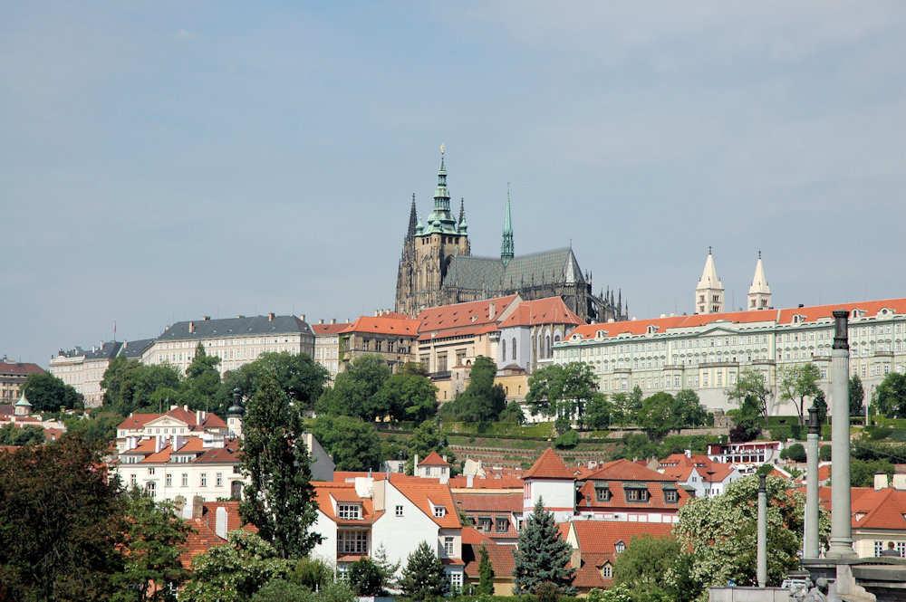 St. Vitus-katedralen sett fra Manesuv-broen - Foto: Gaute Nordvik