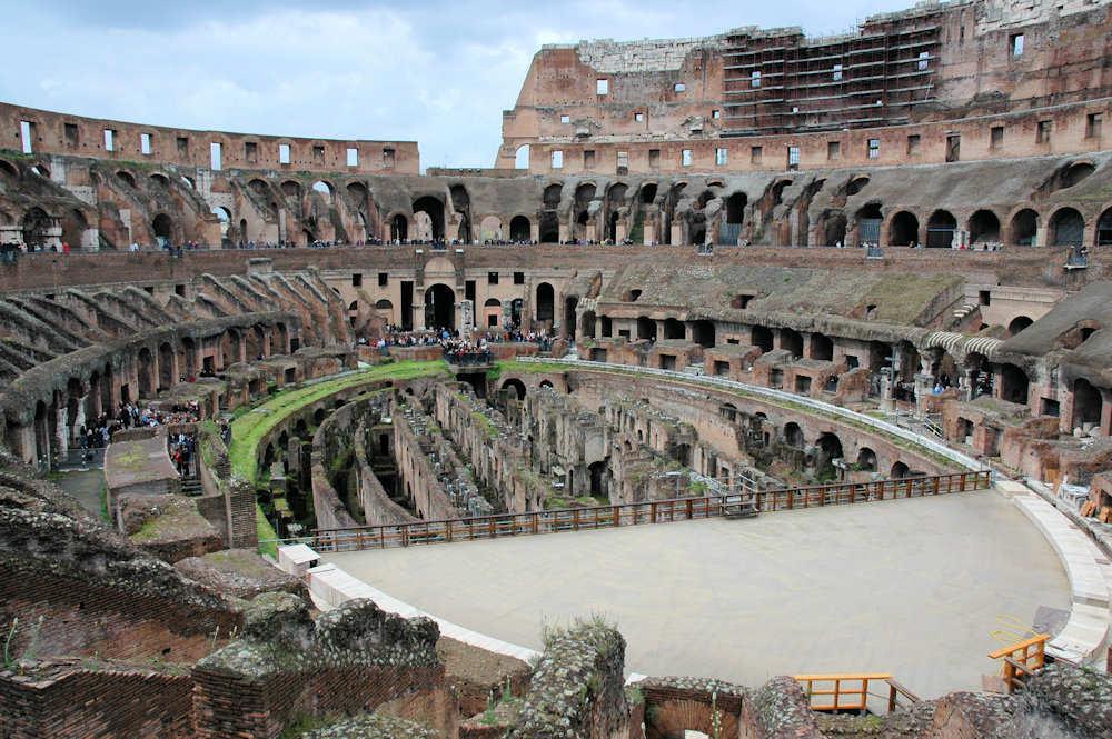 Innsiden av Colosseum i Roma - Foto: Gaute Nordvik