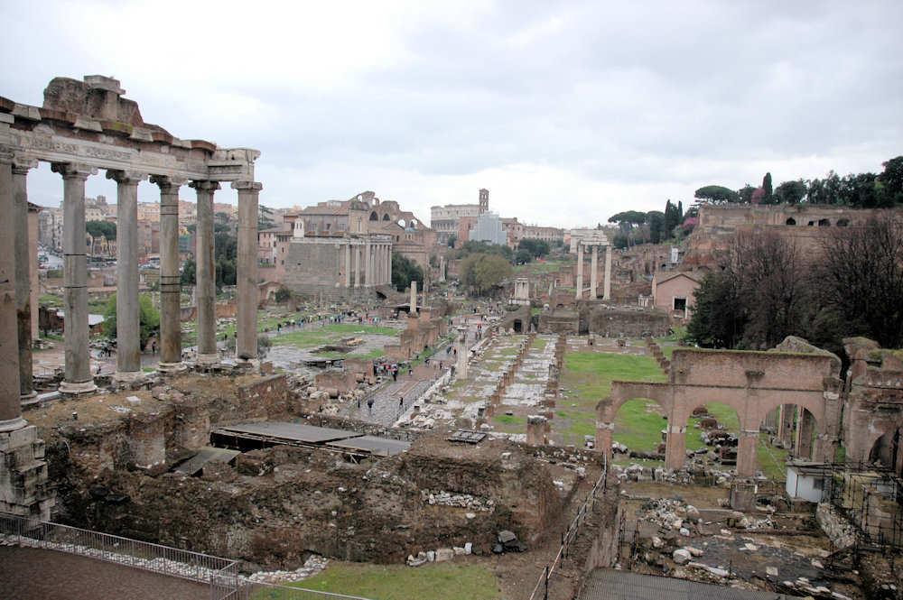 Oversiktsbilde: Forum Romanum - Foto: Gaute Nordvik