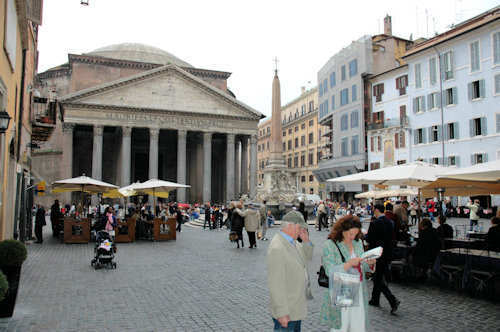 Pantheon med Piazza della Rotonda i forgrunnen - Foto: Gaute Nordvik