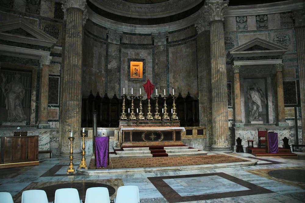 Innsiden av Pantheon i Roma - Foto: Gaute Nordvik