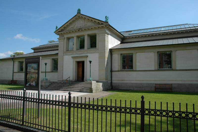 Hirschsprung museum stor pik lille fisse