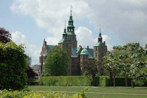 Parken med Rosenborg slott i bakgrunnen
